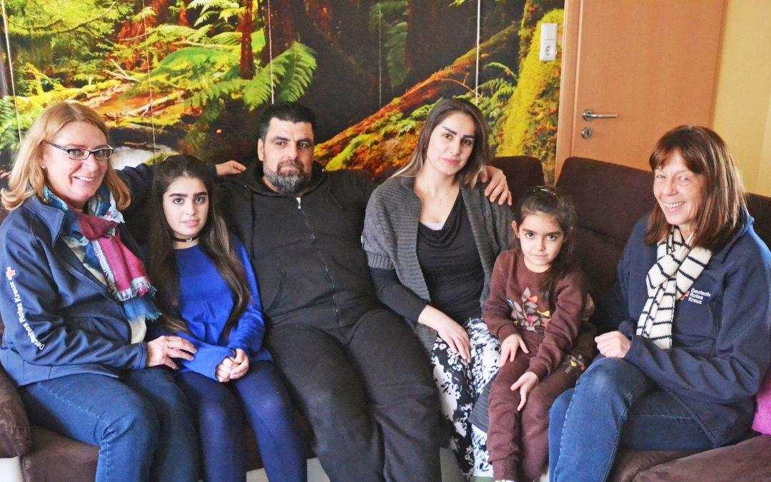 Flüchtlinge suchen ihre Angehörigen