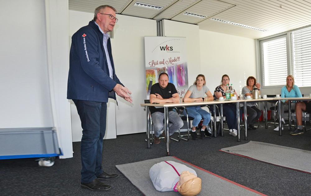 Freiwilliger Erste-Hilfe-Kursus in Wilsum: WKS-Mitarbeiter wappnen sich für den Notfall